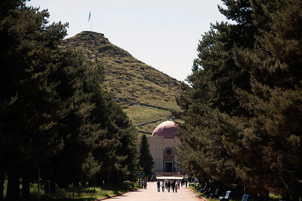 Иш-чаранын алкагында республика боюнча бир катар курулуш иштери жүргүзүлгөн. Алардын бири Таластагы Манас музейи.