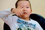 Реакция маленьких кыргызстанцев, впервые попробовавших бозо