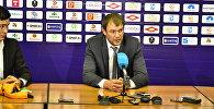 Тренер сборной Кыргызстана Александр Крестинин. Архивное фото
