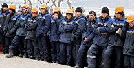 Иностранные рабочие, привлеченные для строительства в России. Архивное фото