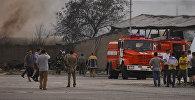 Пожарная служба на месте горящего бензовоза на улице Фучика. Архив