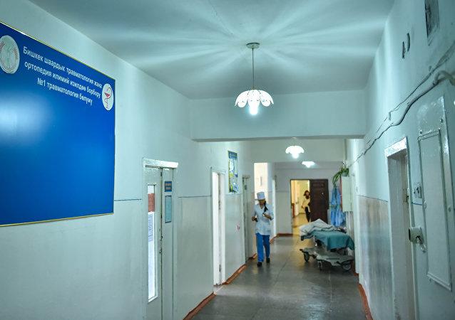 Сотрудница больницы. Архивное фото
