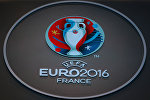 Футбол боюнча Европа чемпионатынын логотиби. Архив