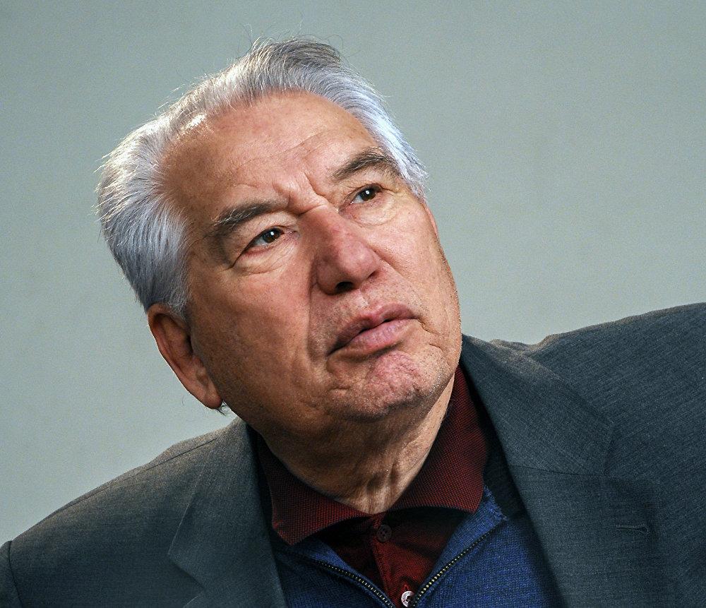 Великий писатель Чингиз Айтматов