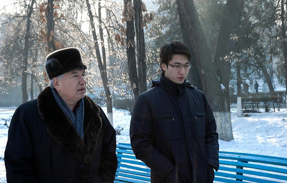Айтматов с сыном Эльдияром