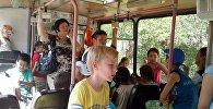 Акция Читающий троллейбус в Бишкеке