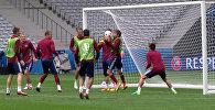 Россия на Евро-2016: тренировка перед матчем и заявление Слуцкого о фанатах