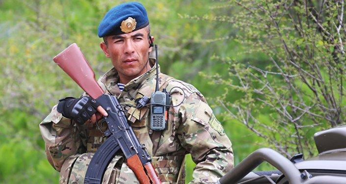 ВТаджикистане заключенные убили охранников и убежали изСИЗО