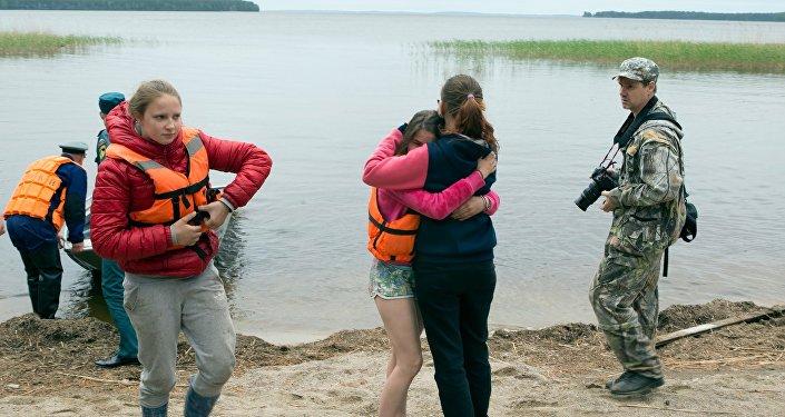 Поисково-спасательная операция в районе Сямозера в Карелии, на котором в туристическом походе во время шторма погибли дети