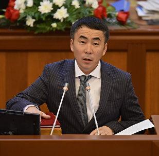 ЖК депутаты Мээрбек Мискенбаевдин архивдик сүрөтү