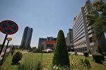 Национальный Банк Узбекистана, международный бизнес-центр и отель Интерконтиненталь Ташкент (слева направо). Архивное фото