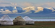 Крупное высокогорное озеро Сон-Куль. Архивное фото