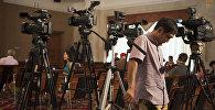 Журналист на пресс-конференции. Архивное фото