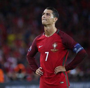 Португалия курама командасы менен Мадриддин Реал командасынын чабуулчусу Криштиану Роналдунун архивдик сүрөтү