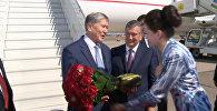 Атамбаевди Ташкентте аэропорттон премьер Мирзиёев баштаган топ тосуп алды