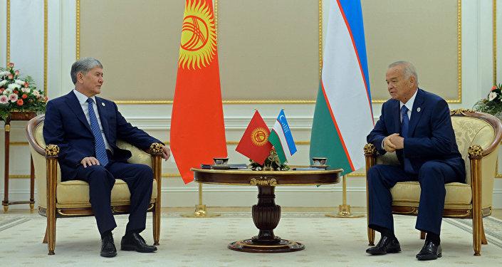 Өзбекстандын президенти Ислам Каримов жана Кыргызстан президенти Алмазбек Атамбаев. Архив