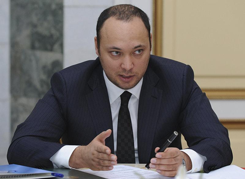 Сын беглого президента Курманбека Бакиева — Максим Бакиев.