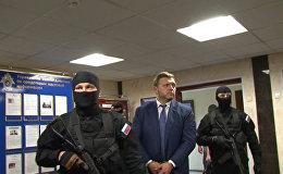 Кадры задержания губернатора Кировской области Никиты Белых за получение взятки