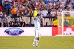 Нападающий сборной Аргентины Лионель Месси после финального матча Кубка Америки по футболу между Аргентиной и Чили