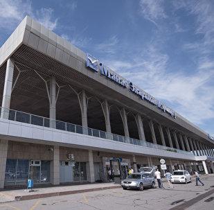 Архивное фото здания Международного аэропорта Манас в Чуйской области