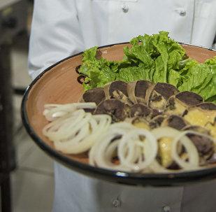 Национальное блюдо Казы-карта. Архивное фото