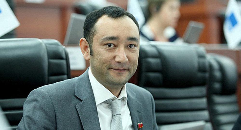 Депутат фракции СДПК Музаффар Исаков