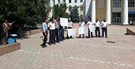 Улуттук университеттин айрым окутуучулары ректораттын отставкасын талап кылышты