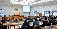 Министры во время заседания правительства Кыргызской Республики. Архивное фото