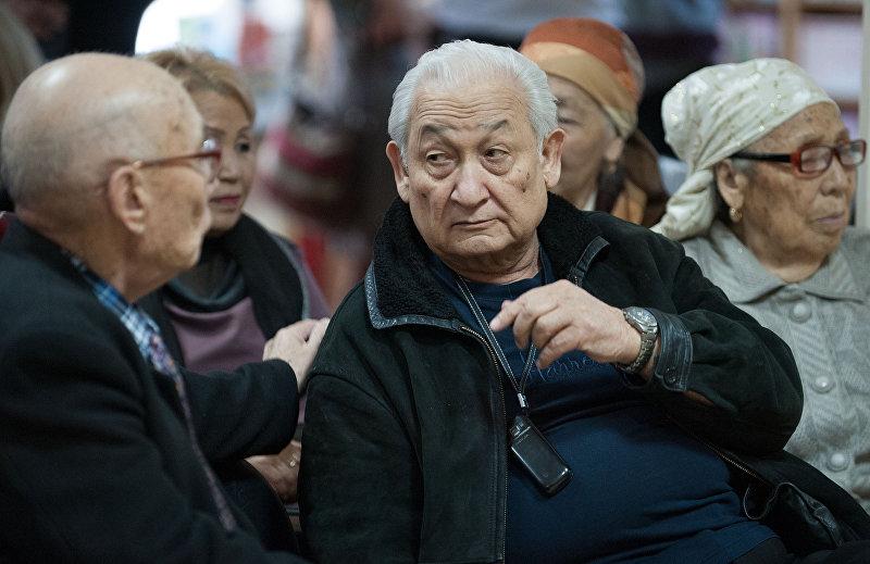Выдающий хирург, Герой Кыргызстана Эрнст Акрамов на лекции