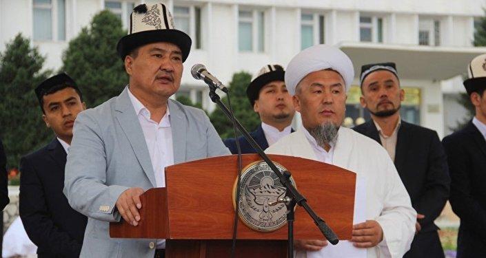 В мероприятии приняли участие мэр города Ош Айтмамат Кадырбаев