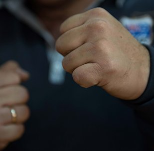 Кулак мужчины. Архивное фото