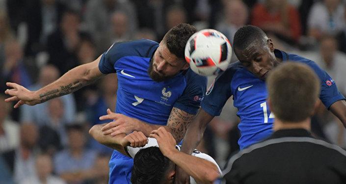 В полуфинальном матче отметился форвард сборной Франции Антуан Гризманн, за матч оформивший дубль в ворота Германии.