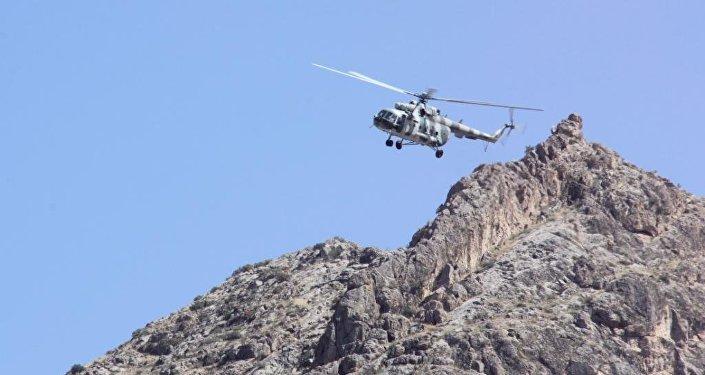 Подразделения специального назначения использовали современное вооружение, военную и специальную технику и авиатехнику, имеющиеся на вооружении ГПС, Генштаба ВС и МЧС КР.