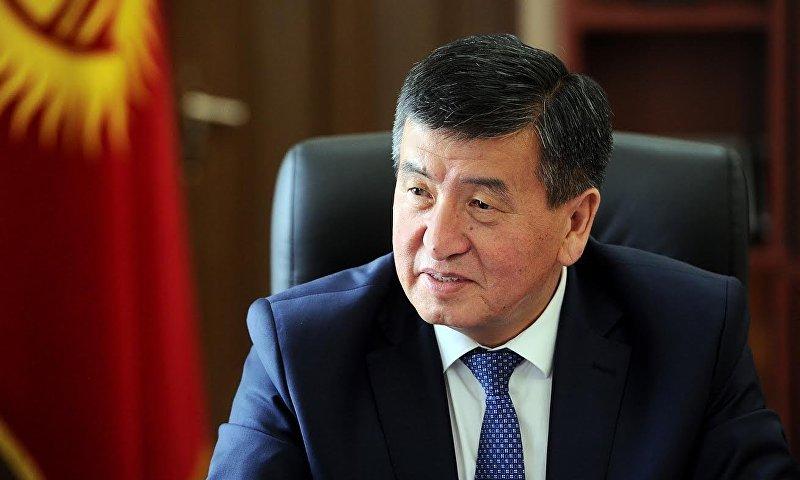 Премьер-министра Сооронбай Жээнбеков во время встречи с послом США Шейлой Гуолтни