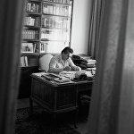 Улуу жазуучу Чыңгыз Төрөкулович Айтматов 2008-жылдын 10-июнунда 80 жаш курагында оорудан улам көз жумган.