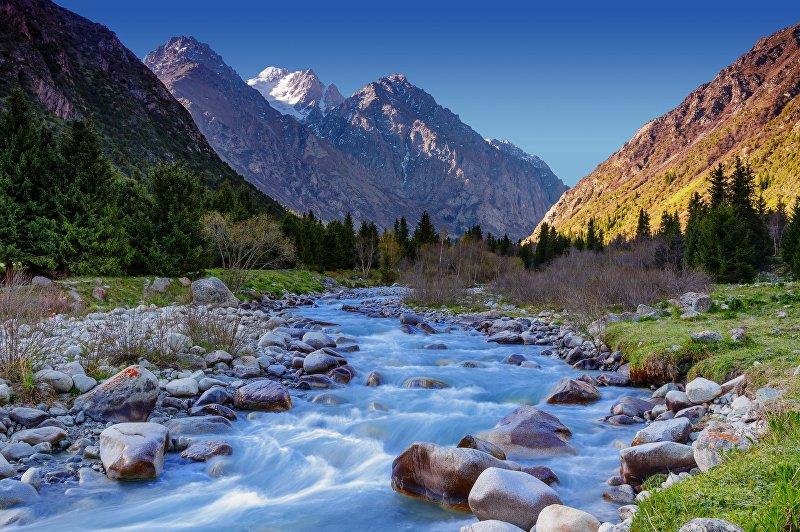Речка в Национальном природном парке Ала-Арча