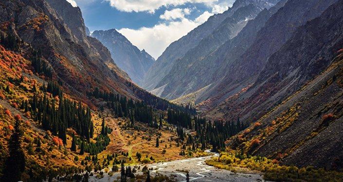 Вид на Национальный природный парк Ала-Арча. Архивное фото