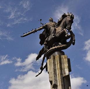 Скульптурный Комплекс Манас. Архивное фото
