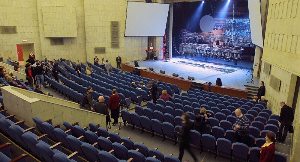 Зрительный зал культурного центра московского автомобильного завода имени Лихачева. Архивное фото