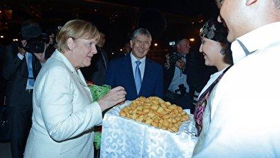 Курманжан датка орденинин алгачкы ээси, Германиянын канцлери Ангела Меркелдин Кыргызстанга болгон сапары