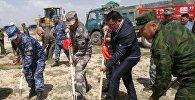Церемония закладки фундамента инфраструктуры зданий и сооружений международного пункта пропуска через кыргызско-китайскую государственную границу