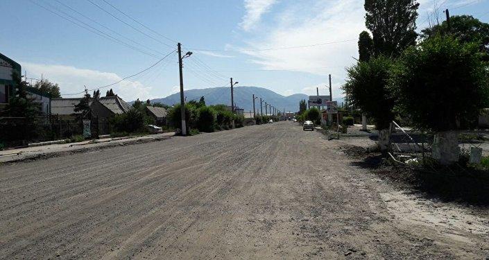 Жители Балыкчи выражают недовольство темпами работ по реконструкции автодороги Балыкчи — Корумду
