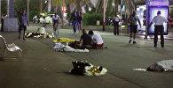 Тела погибших и пострадавшие в результате теракта в Ницце