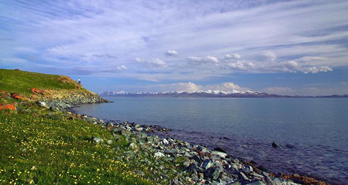 Архивное фото озера Сон-Куль