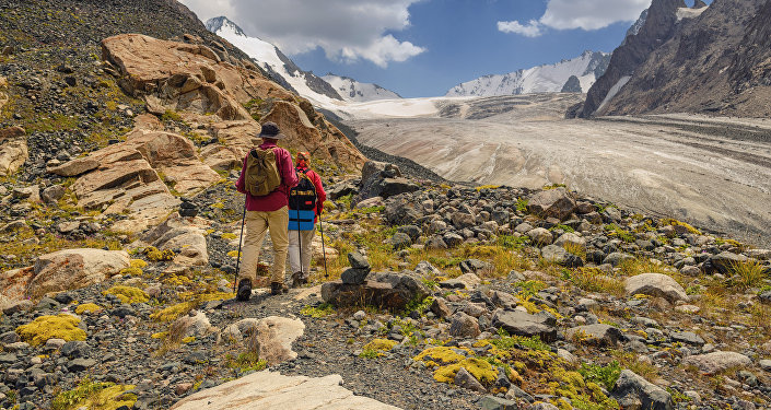 Туристы в горах КР. Архивное фото