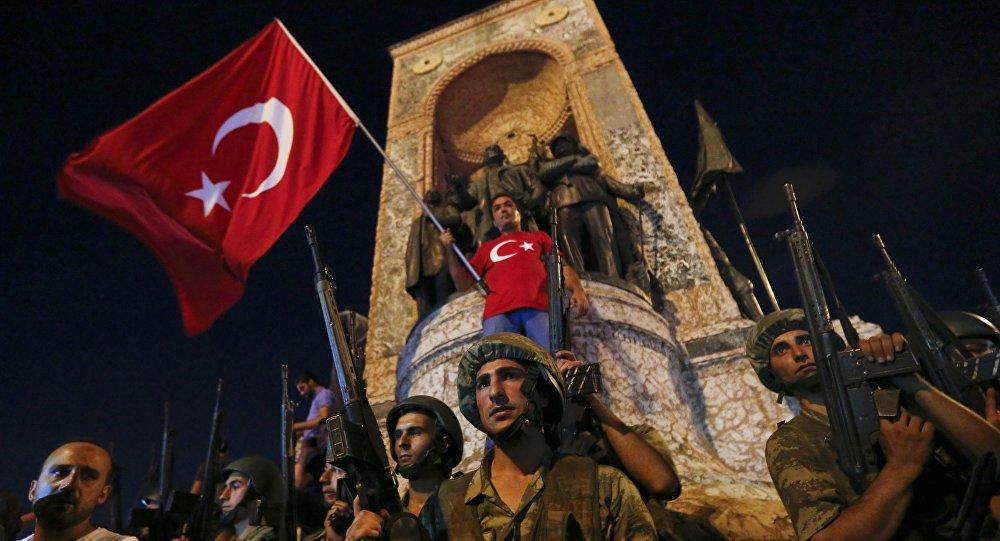 Түркия бийлиги 62 козголоңчуну өмүр бою абакка отургузууну талап кылууда