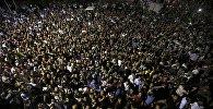 Демонстранты в городе Стамбул, Турция