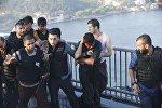 Канжалаган жоокер... Полиция жаалданган топтон аскер кызматкерин коргоп жатат