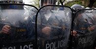 Армениянын полиция кызматкерелри. Архив