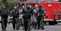 Сотрудники правоохранительных органов Еревана. Архивное фото